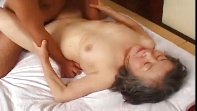 18 Virgin Sex - hentai ver online Termina la acción con una mamada profunda