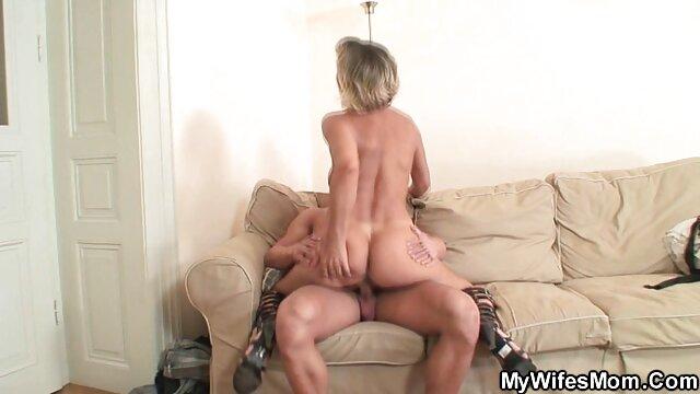 Mamá soltera pelisxporn anal necesita el efectivo