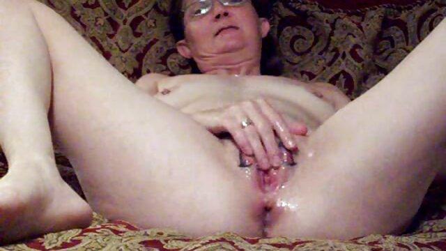 La peluda milf francesa Sonia recibe dos pollas ver peliculas porno espanol