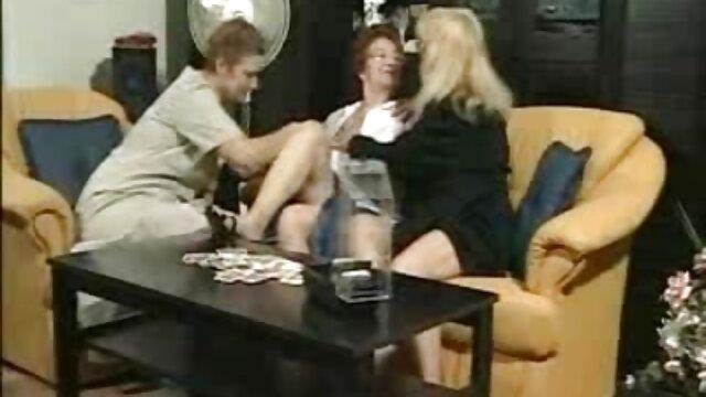Hottie Blonde Babe jugando su peliculas de porno completas gratis coño mojado