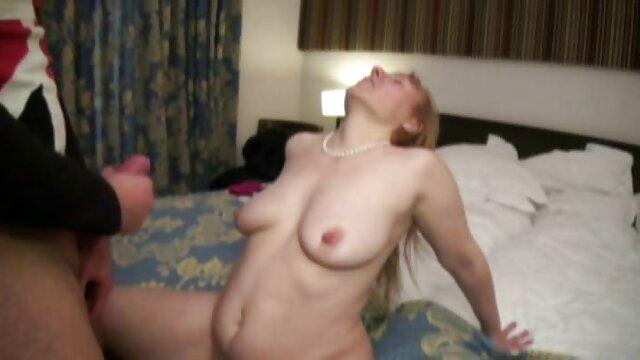 Chica ver peliculas porno en español latino negra aceitada jugando