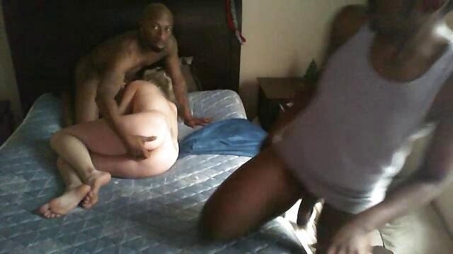 Dos latinas calientes jugando ver peliculas xxx gratis online coño afeitado apretado