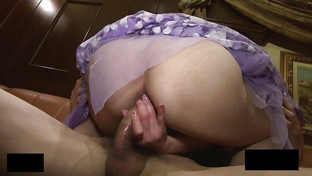 Jemma Valentine porno completo español masturbándose en Sapphix