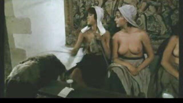 anna leeloo pelicula eroticos online se divierte con Mouss