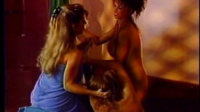 Show amateur de grandes hentai español online pechos naturales en la calle