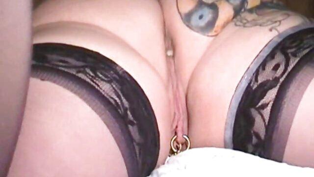 Petite Maid Aurora Monroe peliculas hentai online se golpea