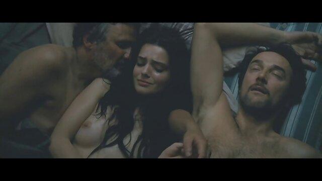 Mofos - peliculas eroticas subtituladas en español Niñeras cazadas - MILF enseña a Spinner una lección