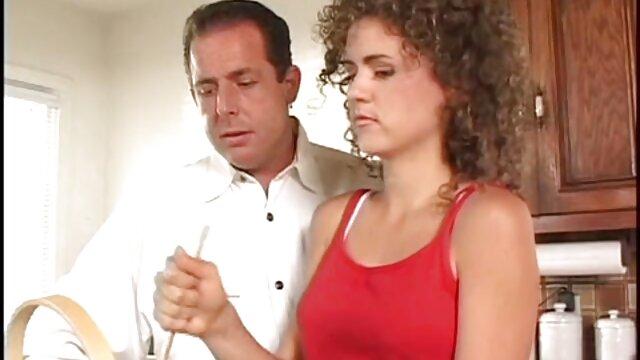 Leyla Peachbloom masturbándose peliculas completas en español pono en Sapphix