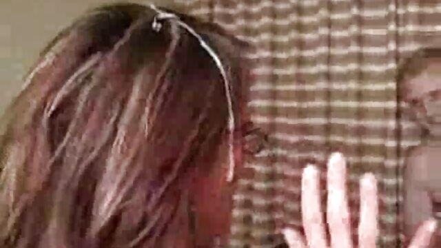 Super sexy de pelo largo peliculas porno en español ver online polaco striptease y masturbándose
