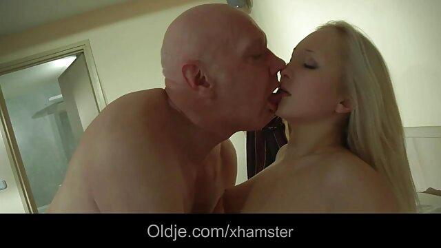Slowakei masturbación con pornos en vivo en español la mano de mi novia 2